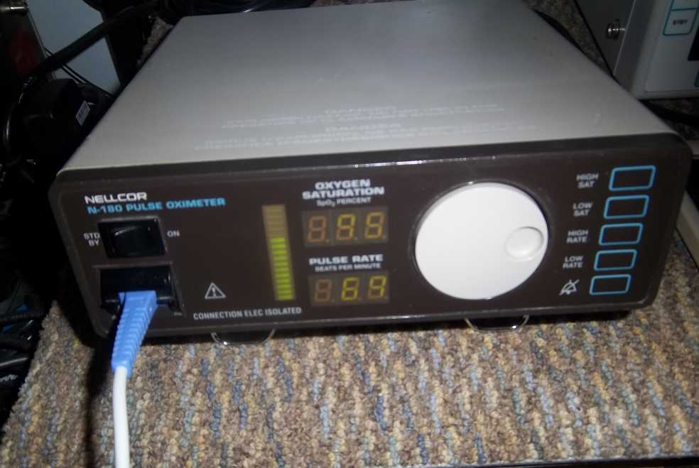 Used working Nellcor N-180 Pulse Oximeter  pulse ox oximetry oximeters pulse oximeters spo2